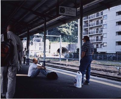 JR横須賀駅の昼下がり